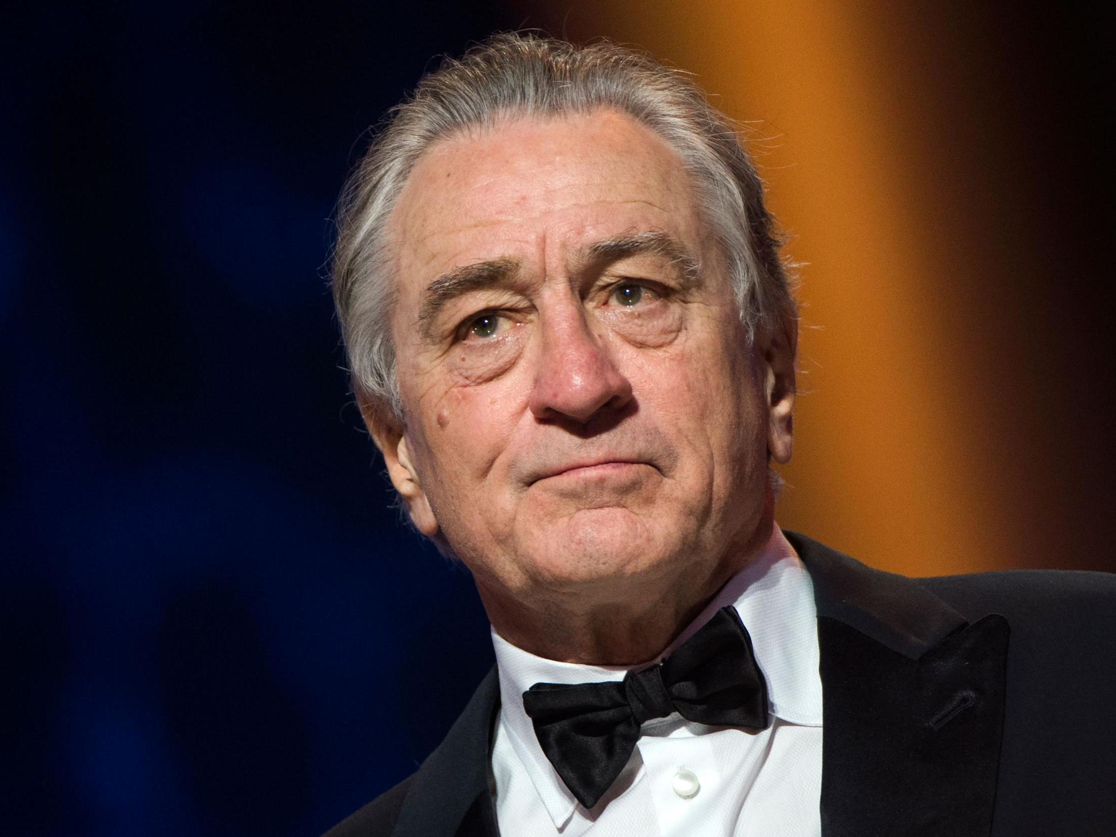 Robert De Niro says he hopes 'low life' Trump gets impeached