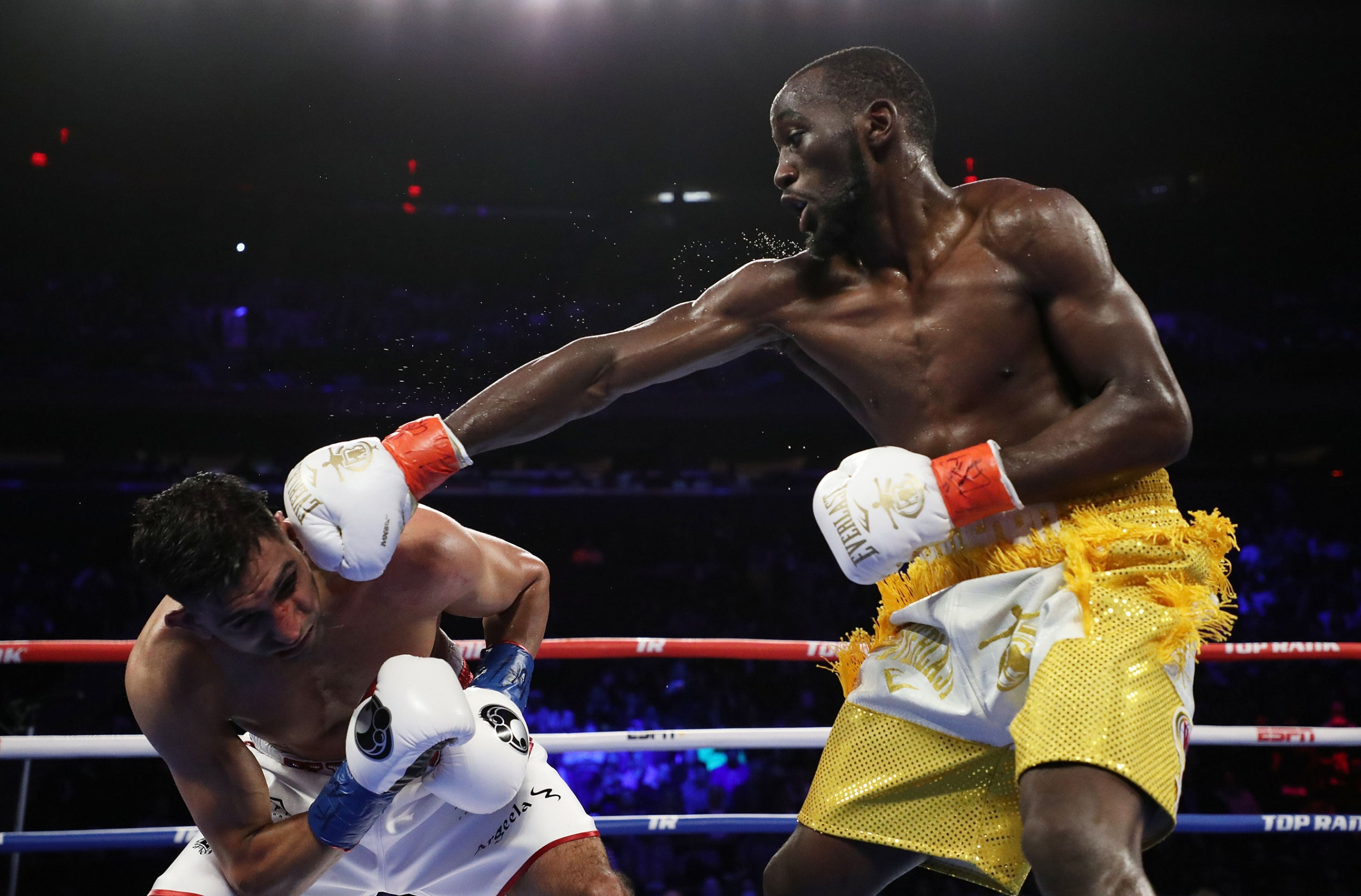 Amir Khan vs Terence Crawford result: Fight ends in controversial