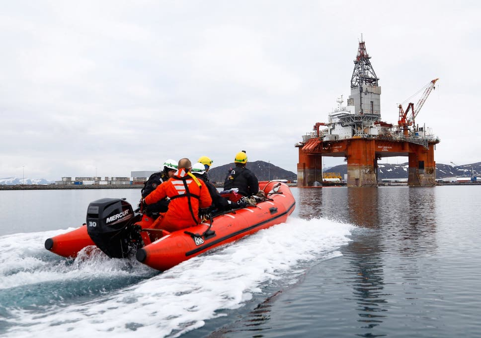 Greenpeace activists board oil rig in Norwegian Arctic to
