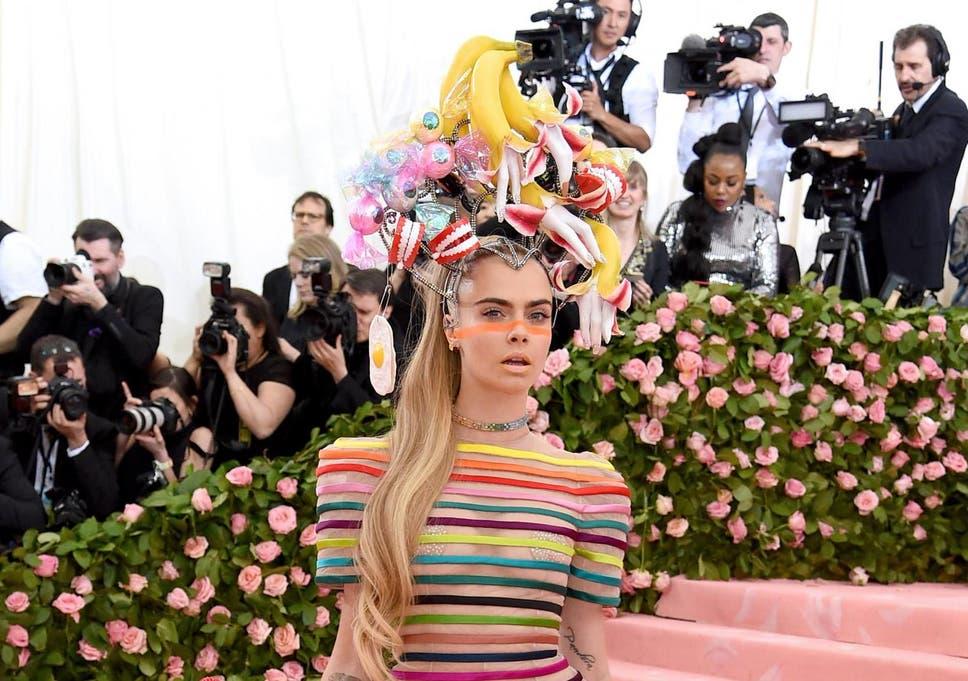 Met Gala 2019 Cara Delevingne Wears Pride Inspired Outfit