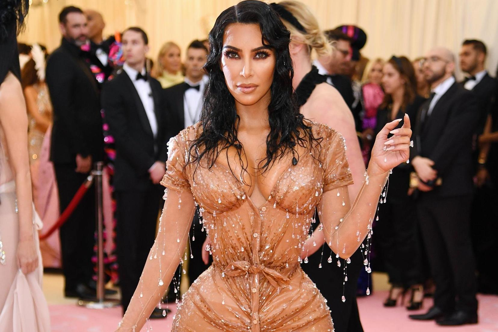 0b9bb91e Kim Kardashian's personal trainer defends her small waist at Met Gala | The  Independent