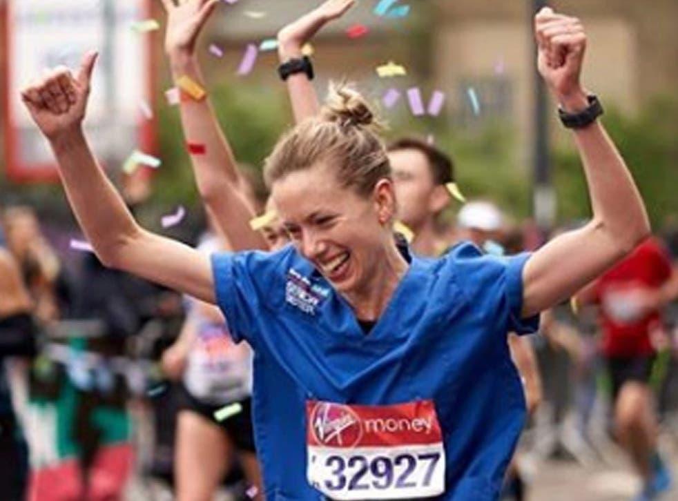 Jessica Anderson running the London Marathon in her nurse's uniform