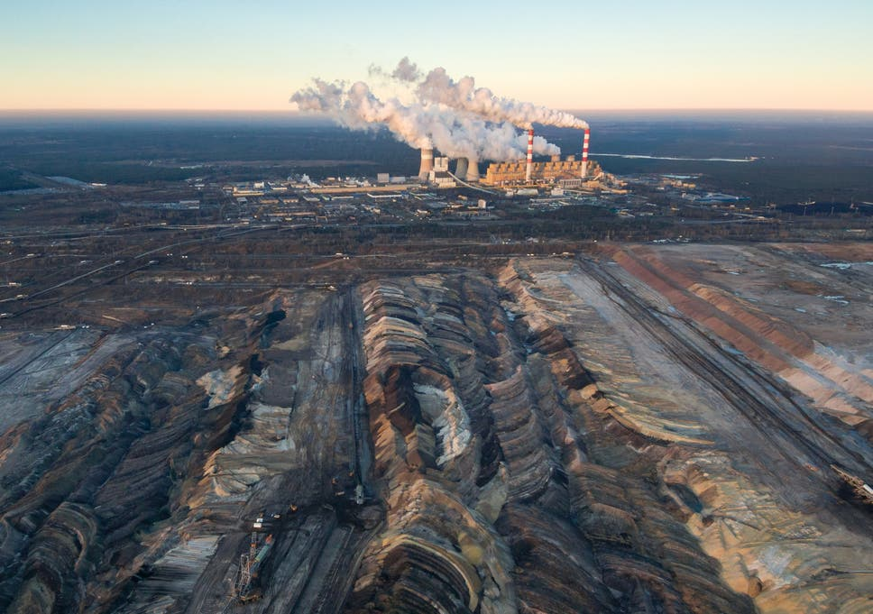Global investment in coal tumbles by 75% in three years, as