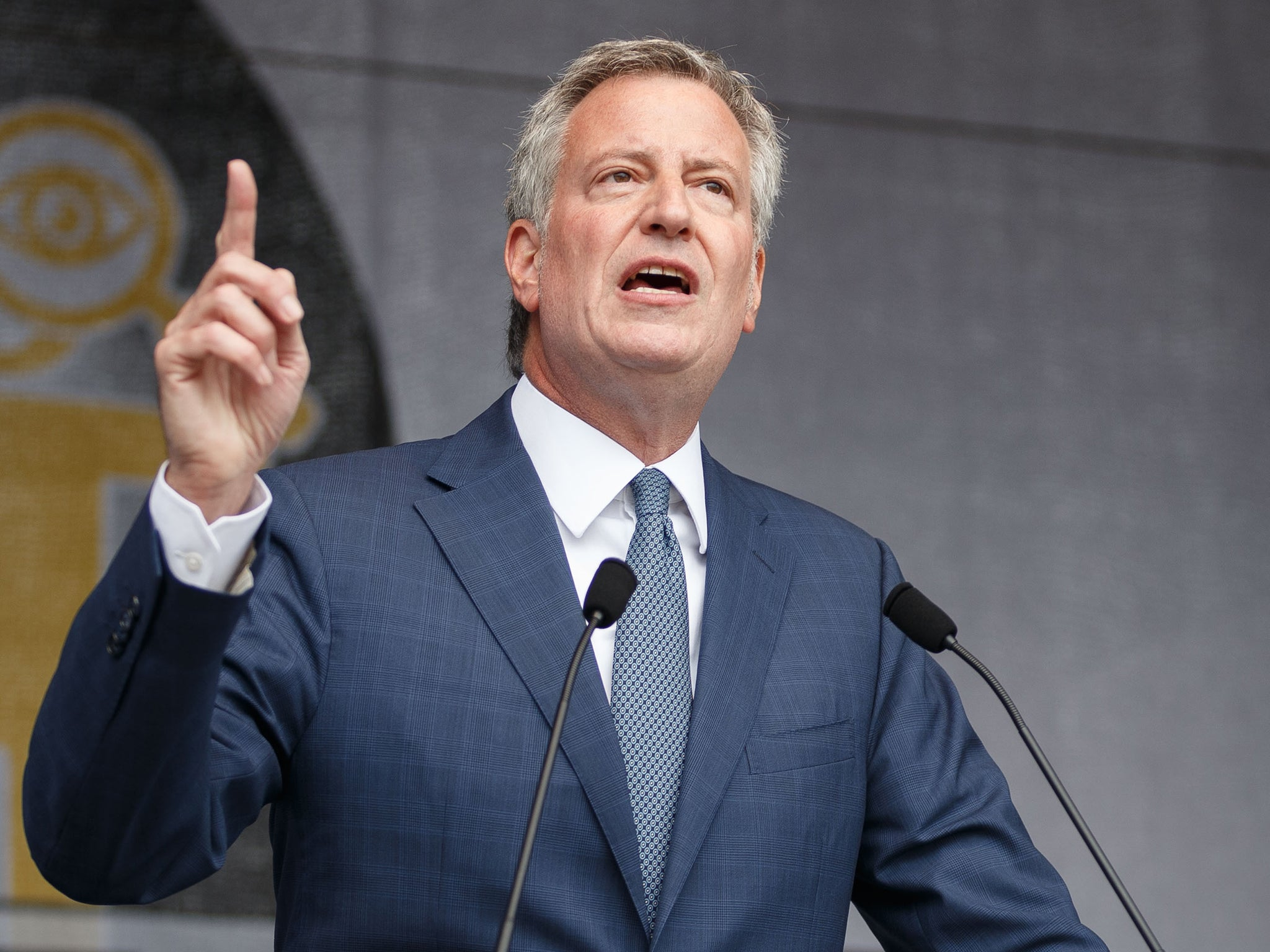The Serious Side - part 7 - Page 11 Bill-de-blasio