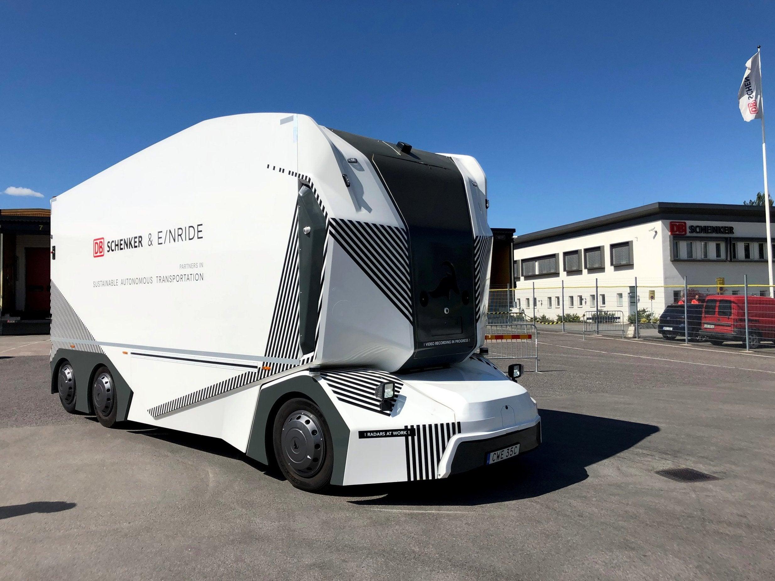 Driverless electric lorries begin deliveries in Sweden