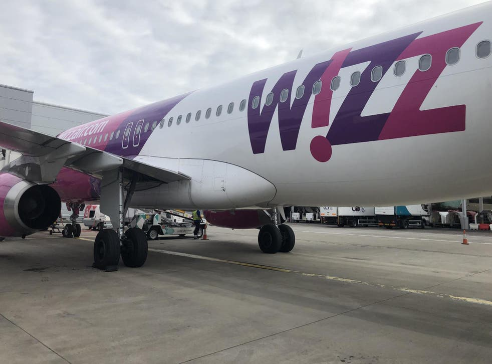 Calm before the storm: the Wizz Air plane forced to abandon a landing