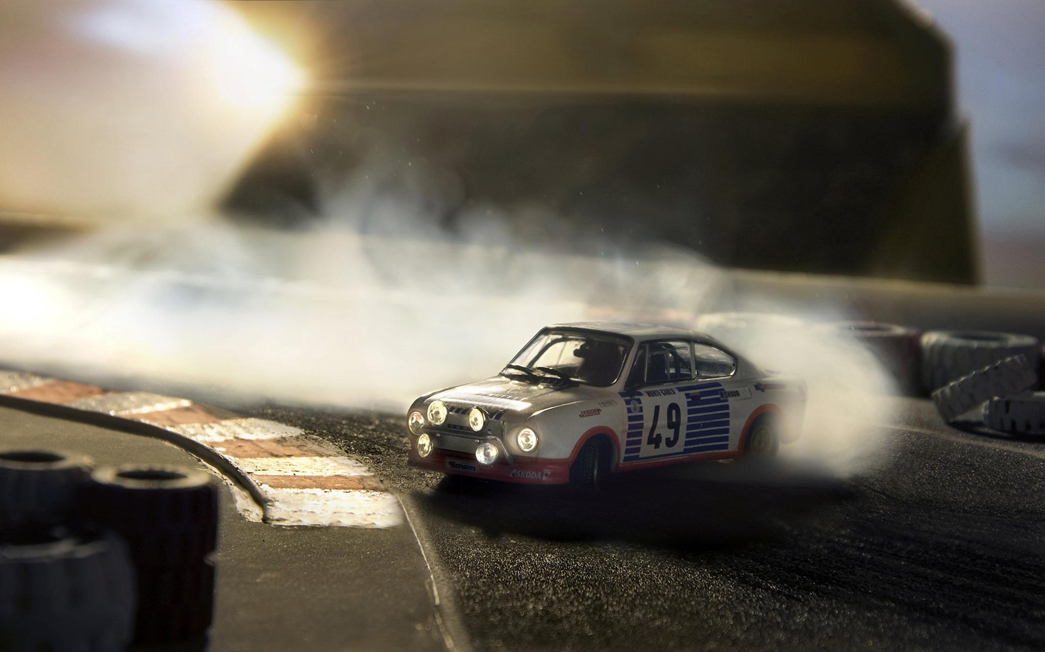 Photographer Shoots Incredibly Lifelike Action Scenes Using Toy Cars