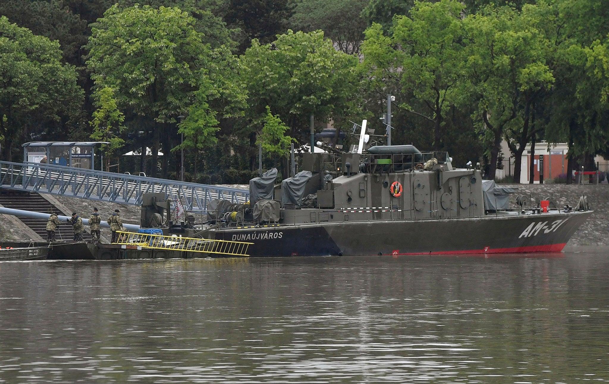 Budapest boat crash: Seven dead after tourist vessel