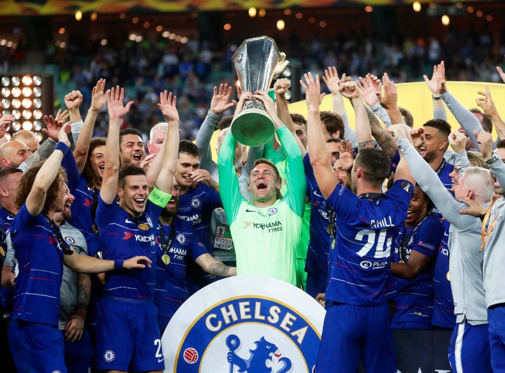 Rob Green celebrates with the Europa League trophy