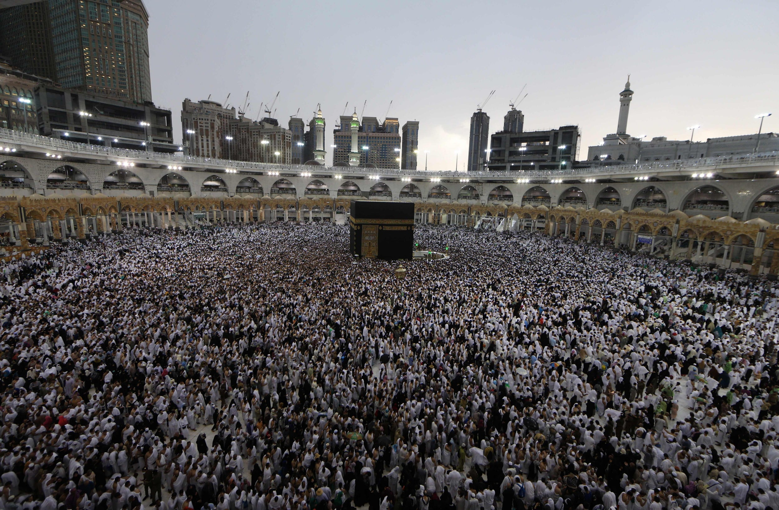 Thousands of Muslims worship in Mecca for the final days of Ramadan