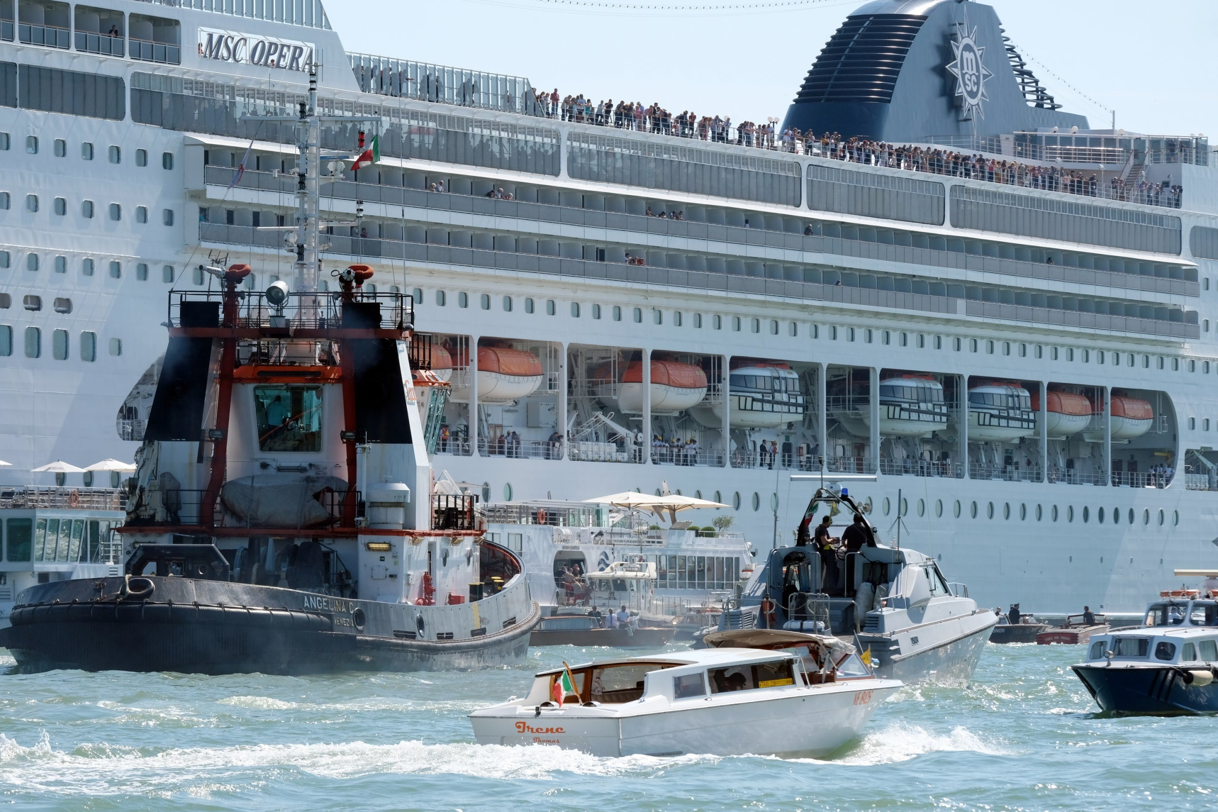 Venice cruise ship crash: Four injured as MSC Opera liner