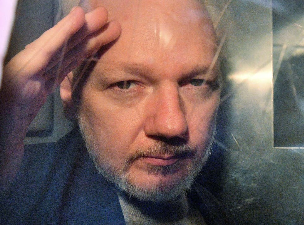 Related video: Julian Assange arrested by UK police and removed from Ecuadorian embassy