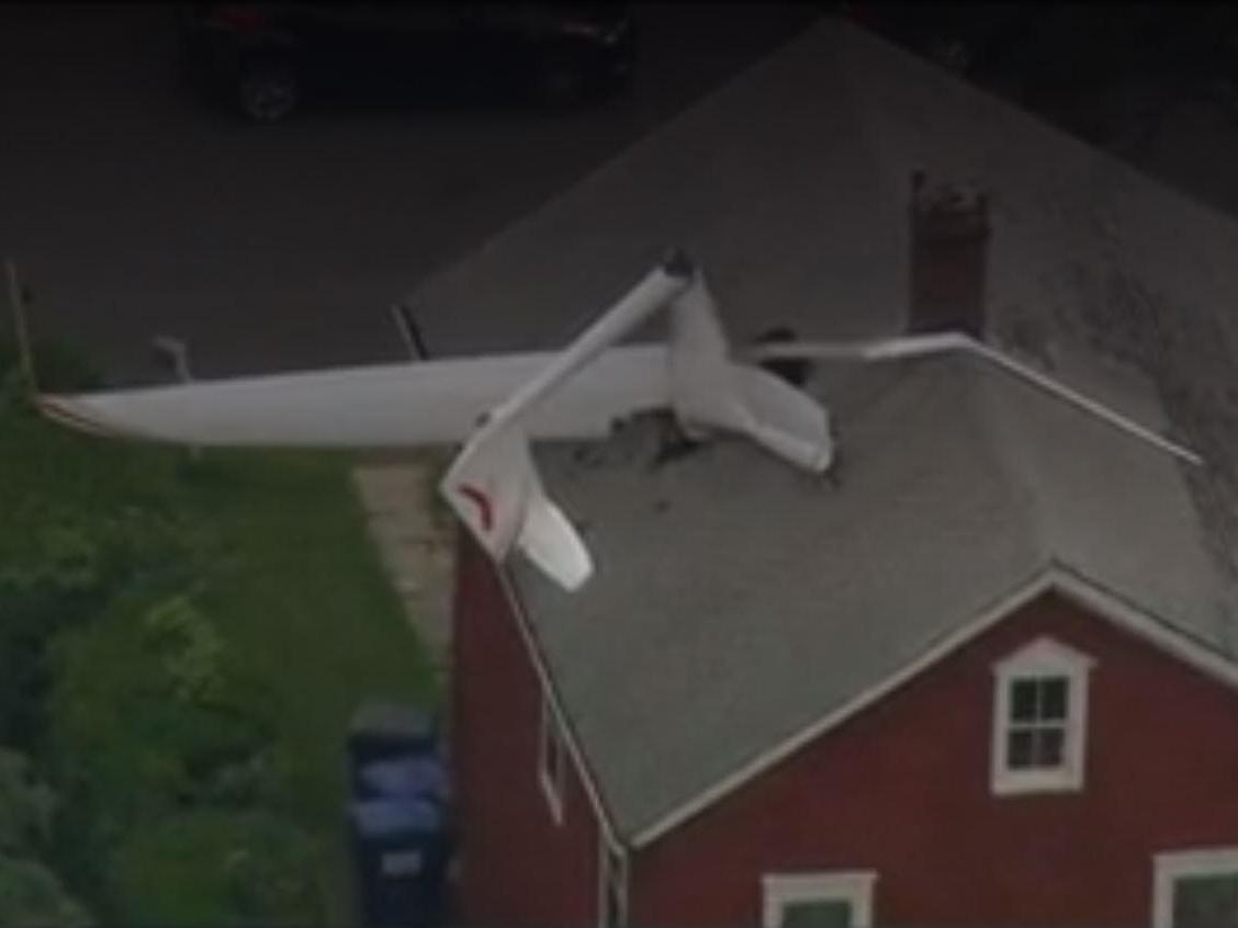 glider crashes into family home near connecticut airport