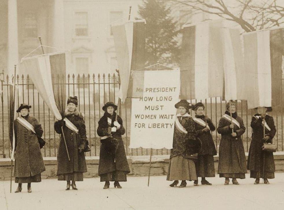 Campaigners picket the White House in 1917