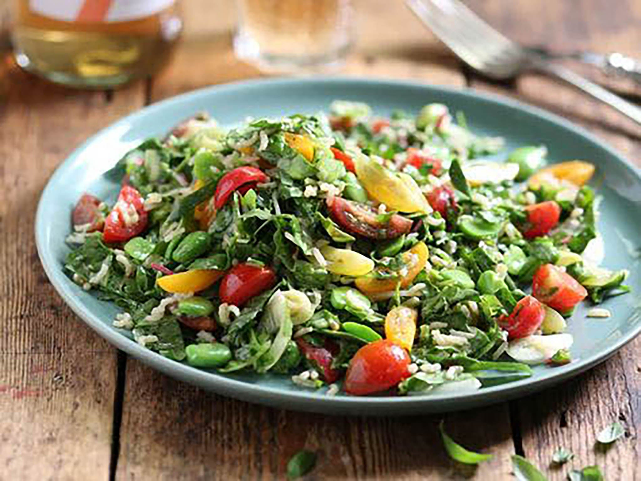 How to make summer rice salad with broad beans, red chard and tomatoes 1