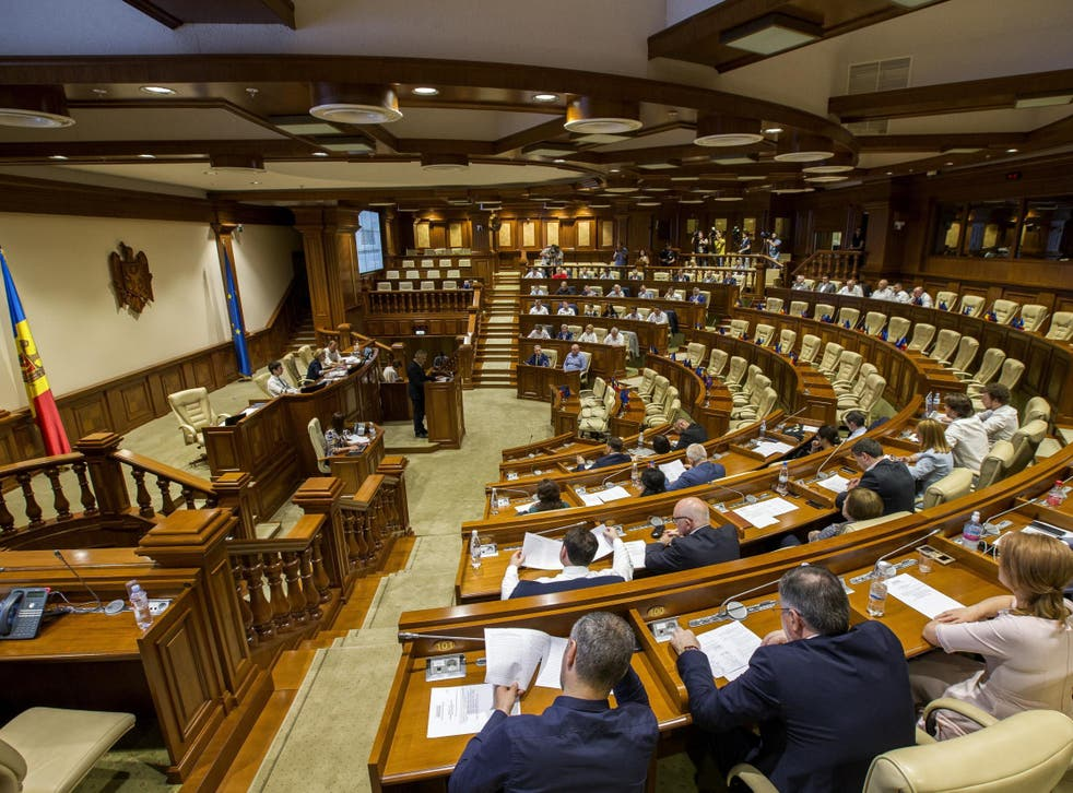 Moldova's Democratic Party refuses to leave parliament after Consitutional Courts rules in its favour against new coalition