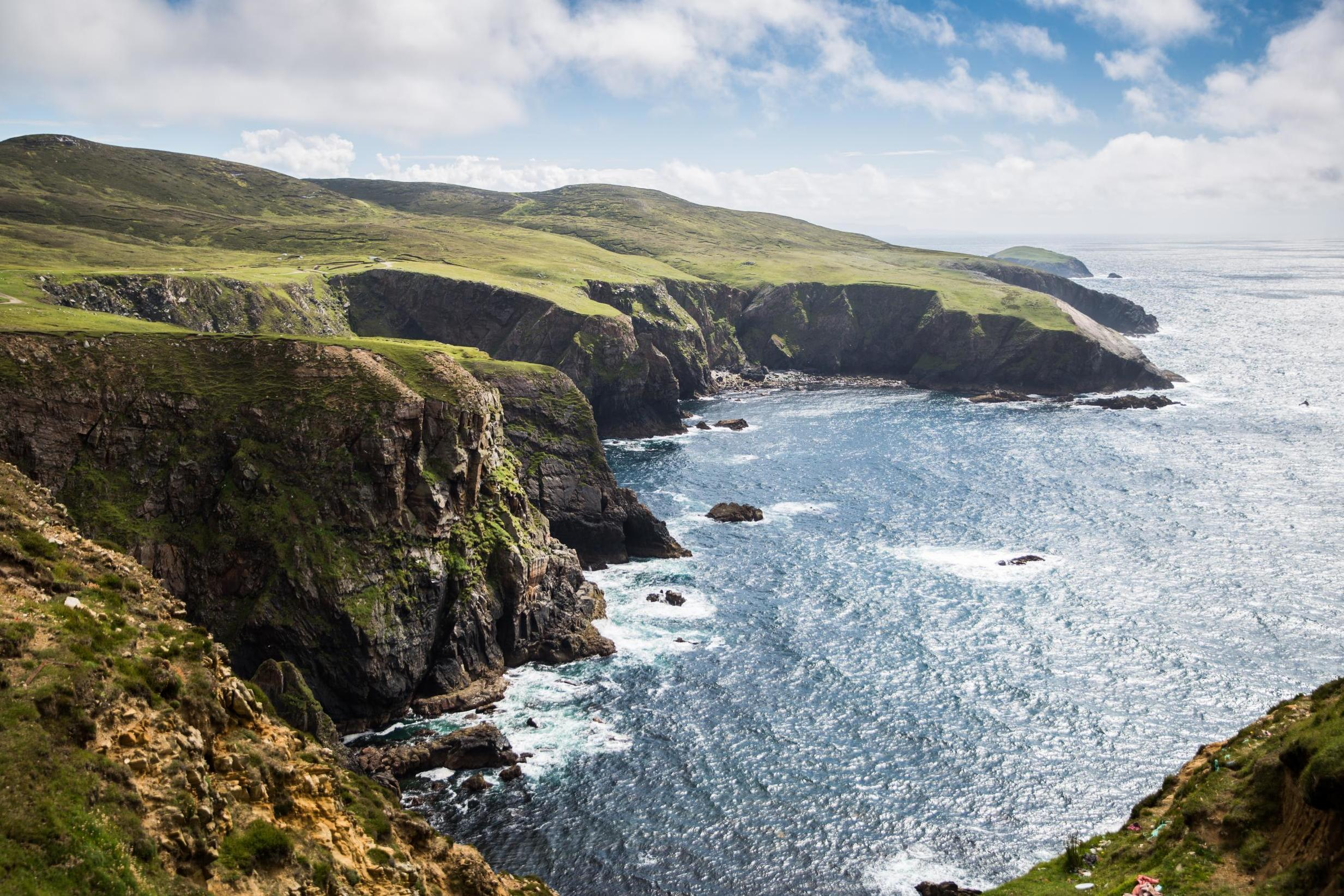 Irish island with 469 residents asks Americans and Australians to move there in open letters