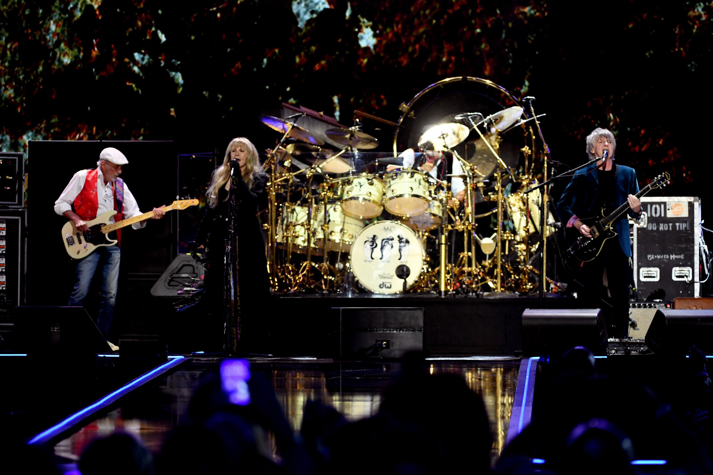 Fleetwood Mac make Glastonbury 2020 hints at Wembley show