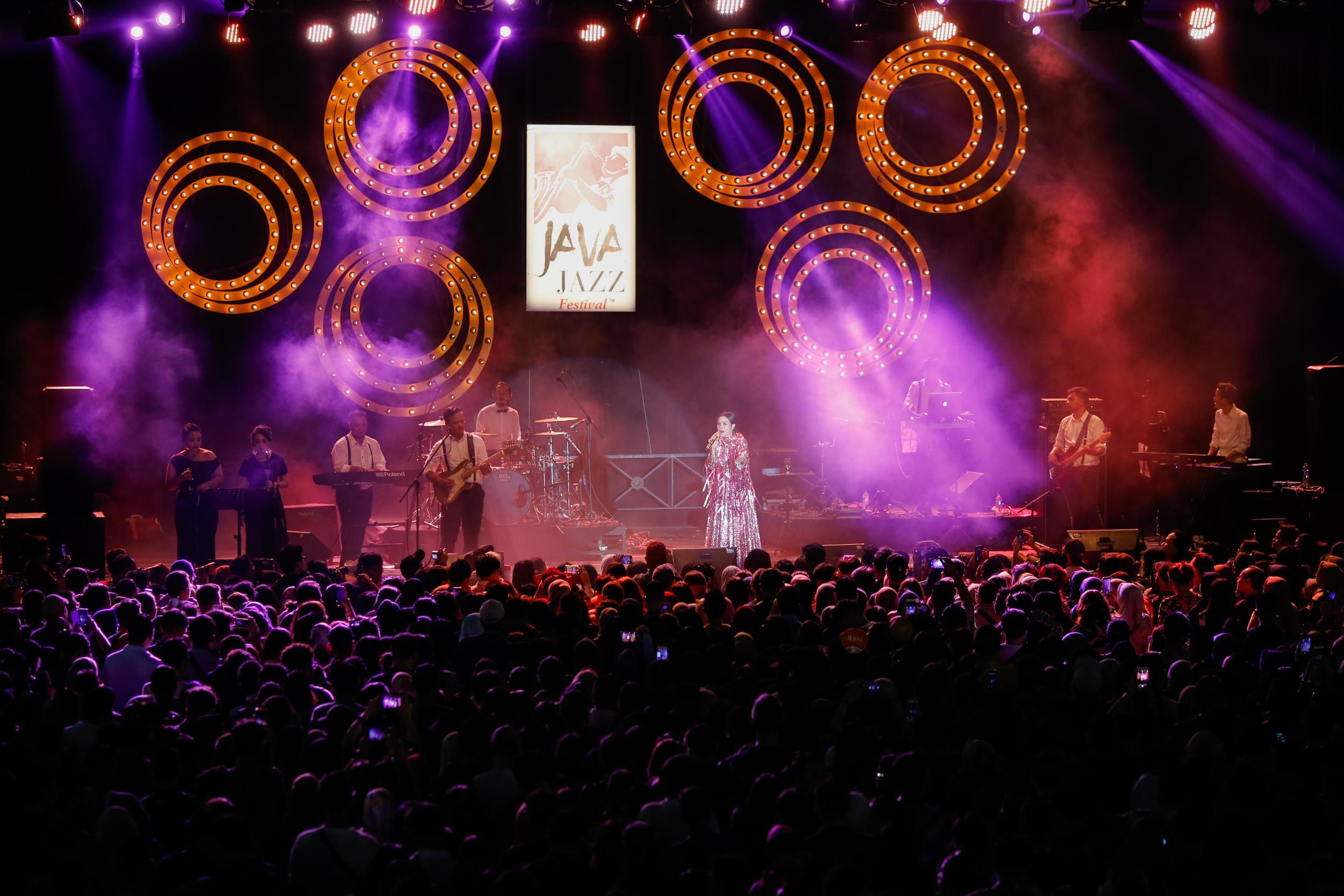 download video metallica live in jakarta