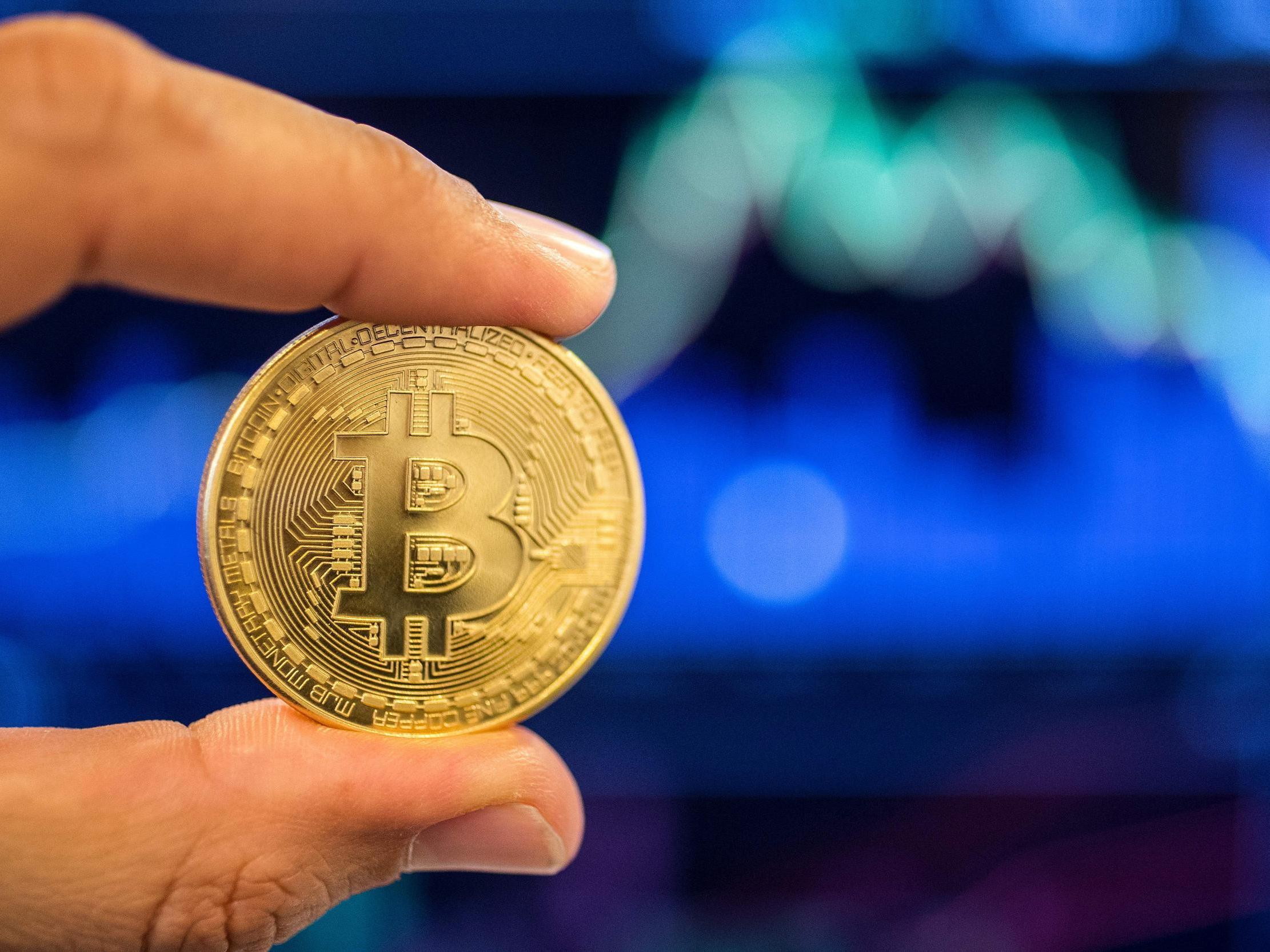 câștigând bitcoin ca afacere)