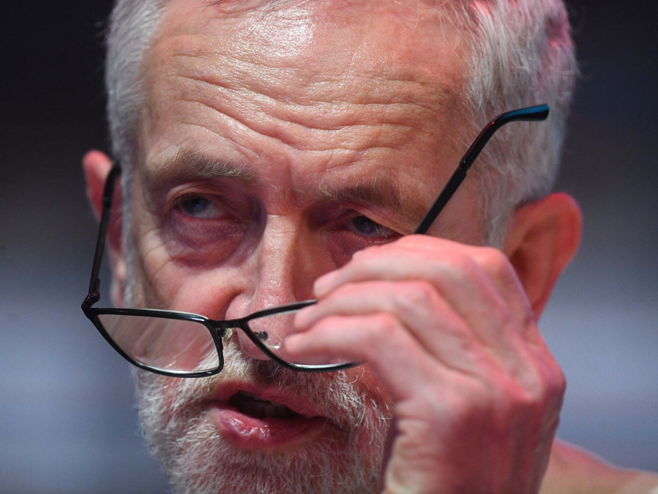 Brexit: Corbyn accused of 'muddle and confusion' as Labour again fails to agree shift on second referendum