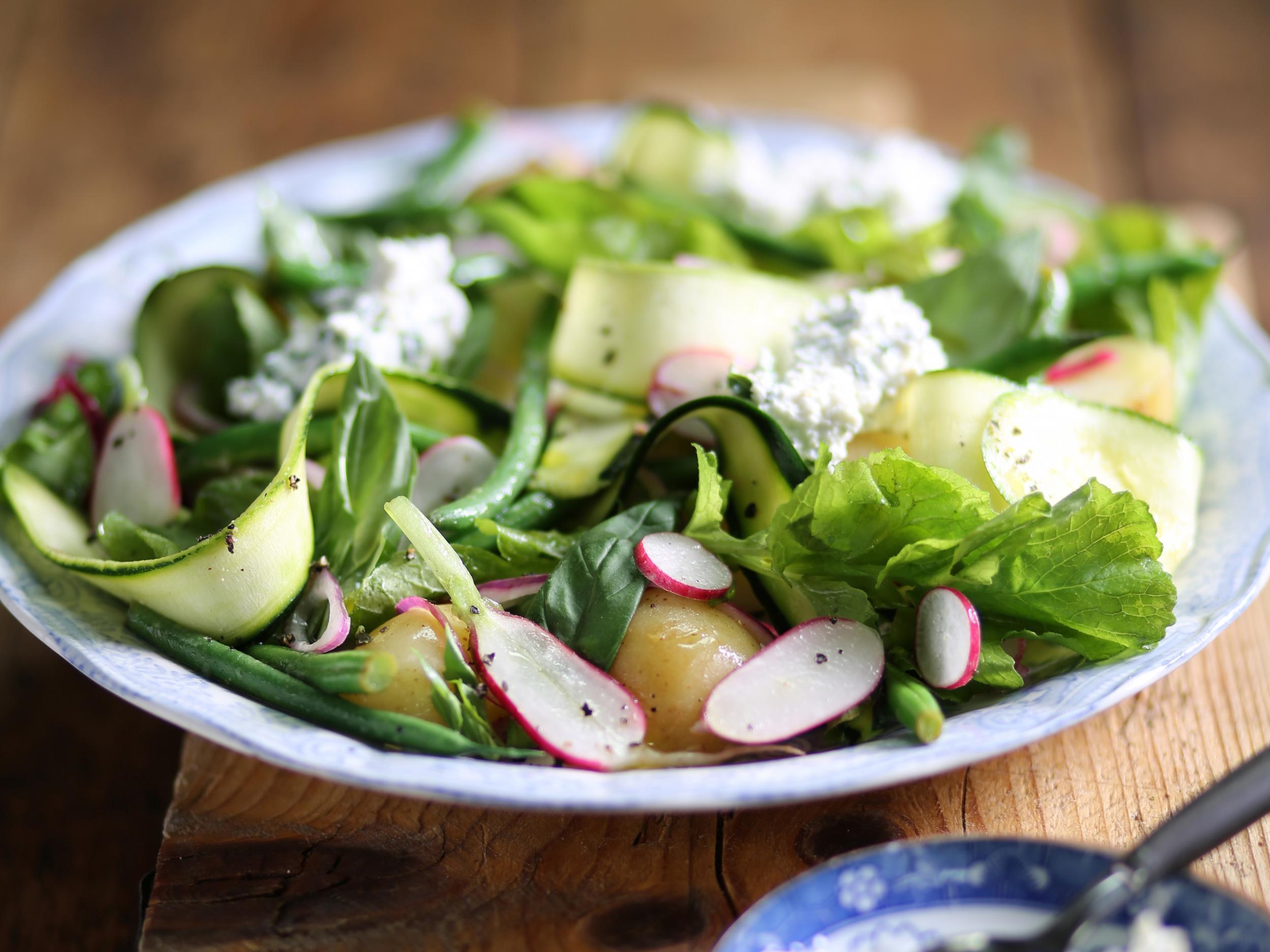 How to make Roman garden salad 1