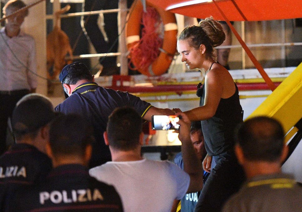 Sea-Watch 3: Refugee ship captain arrested after defying