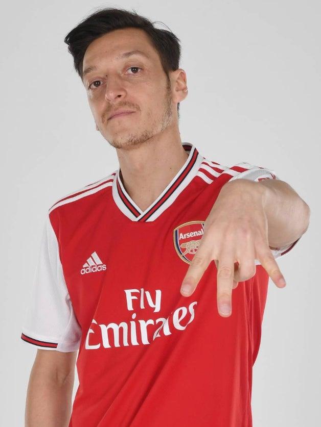 e644f83c Arsenal kit: Gunners unveil retro Adidas home kit ahead of 2019/20 ...