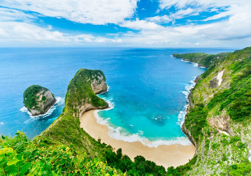 Bali Beach Experiences Hour Long Queues For Tourist Selfies