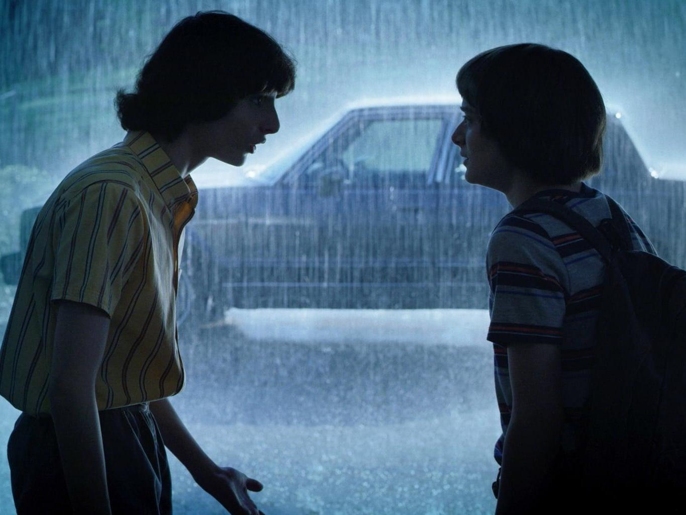 Stranger Things Season 3 Episode 3 Scene Hints At Sexuality