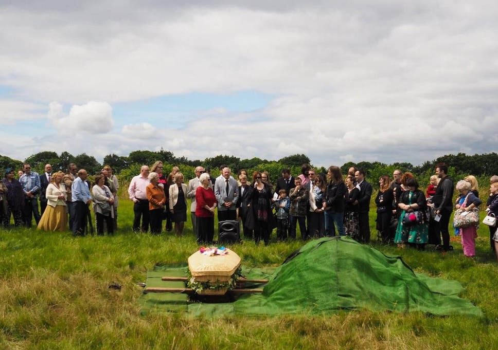 The green funeral of Sally Pollard at Dale Hill natural burial ground in Derbyshire