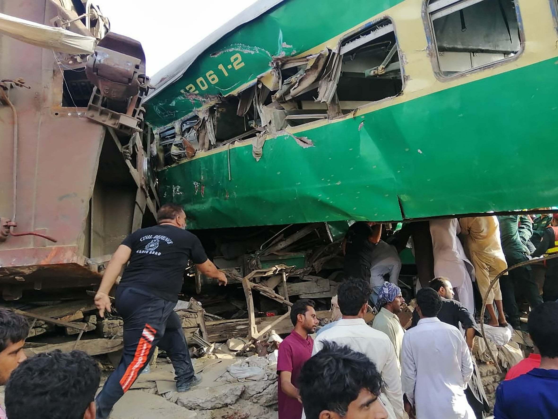 Pakistan train crash: 11 killed as prime minister Imran Khan blames railway 'neglect'