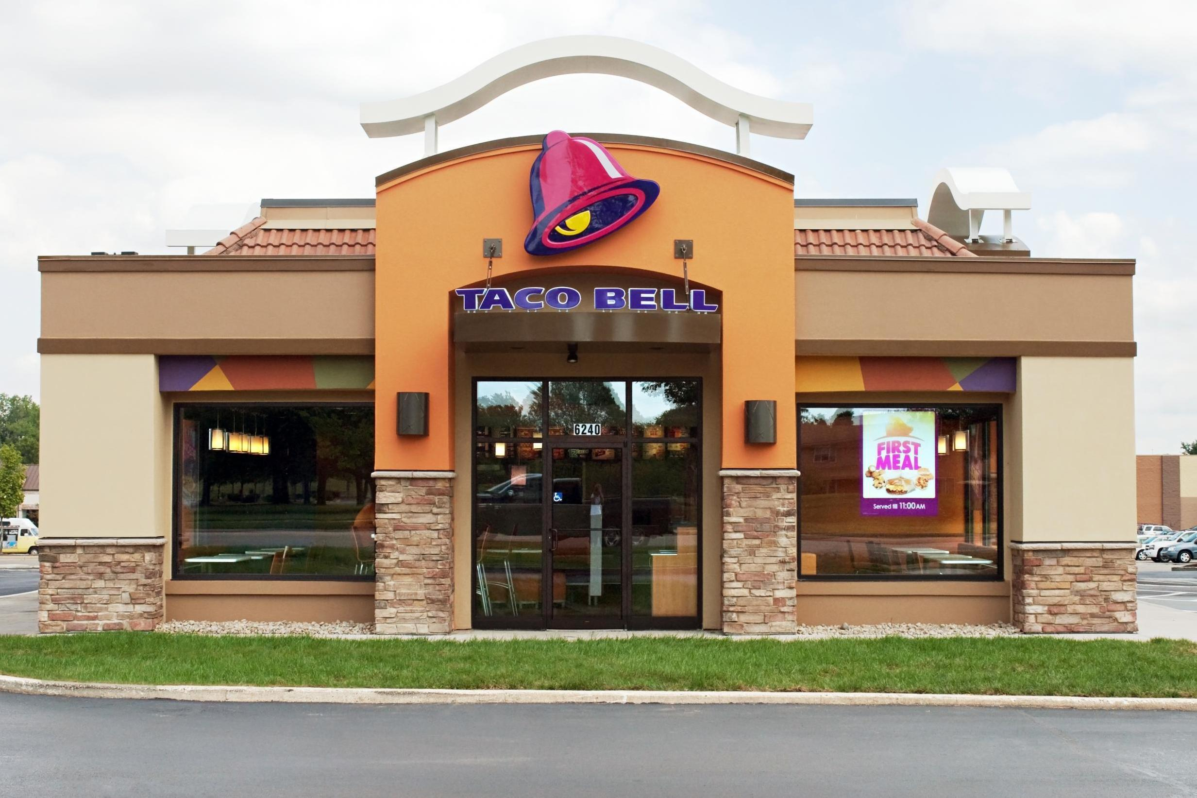 Taco Bell customer claims she found a 'door knob' in her nachos 1