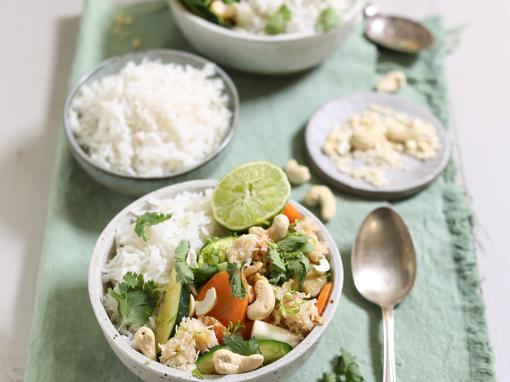 How to make Abel & Cole's Thai green crab curry 1