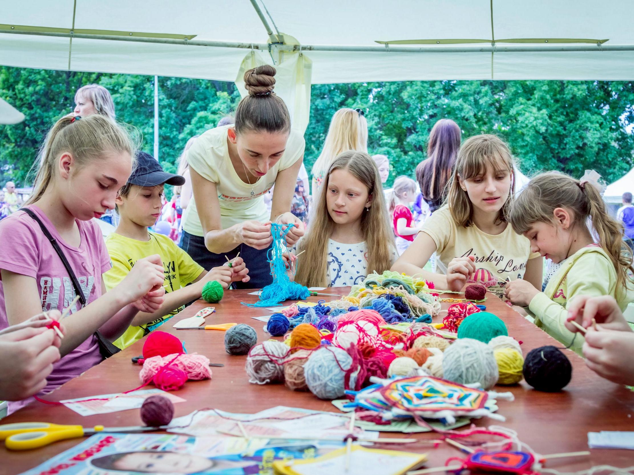 Uk Children Create 2 000 Arts And Crafts Pieces For Parents Before Turning 12 Poll Claims The Independent The Independent