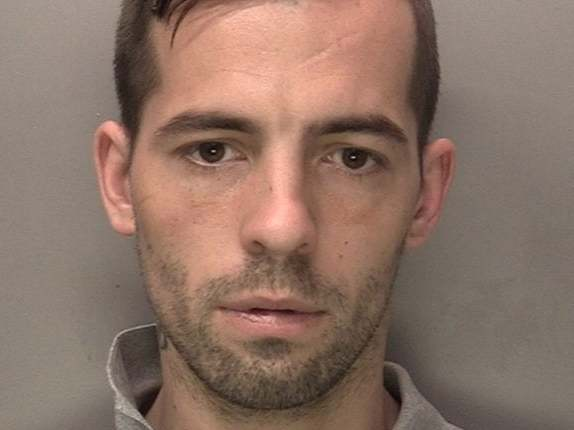 Pyjama-wearing criminal escapes after tricking police officers into getting him coffee and biscuits