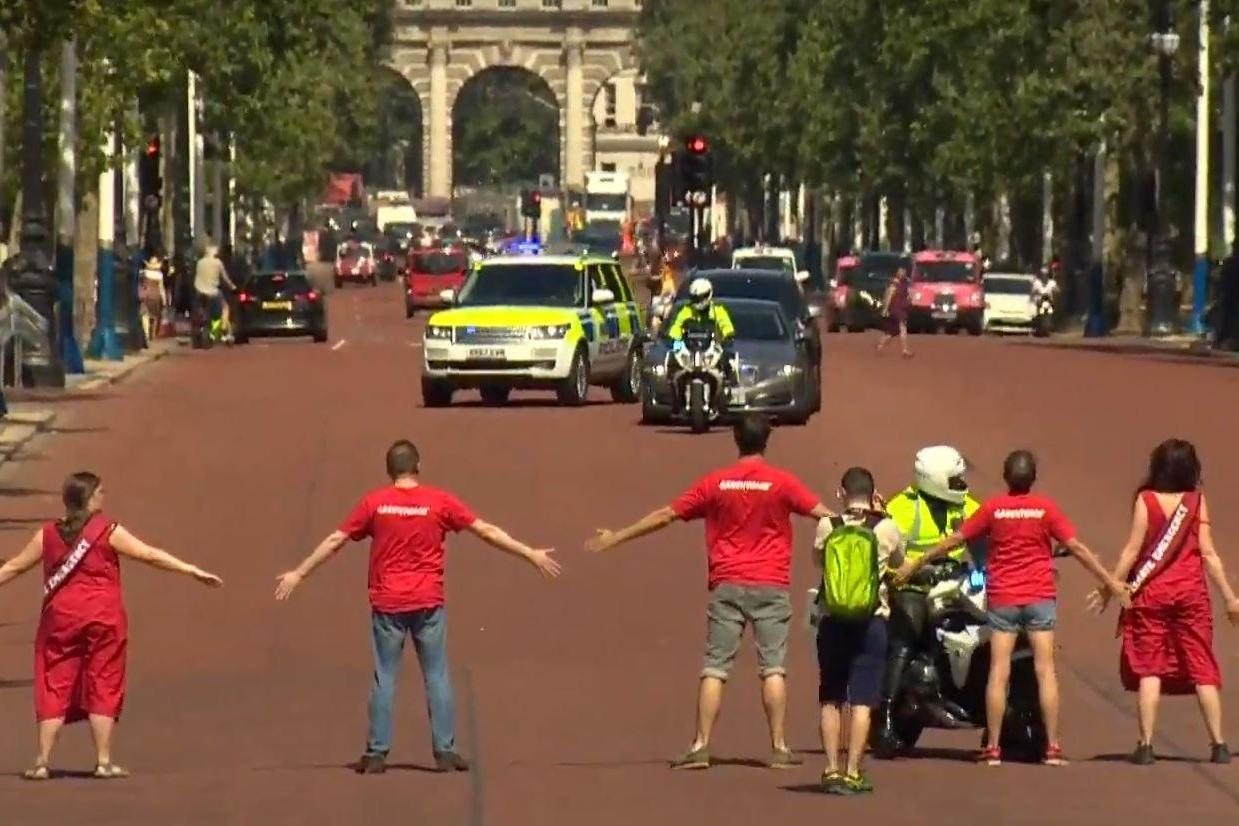 [Image: boris-johnson-car-protest.jpg]