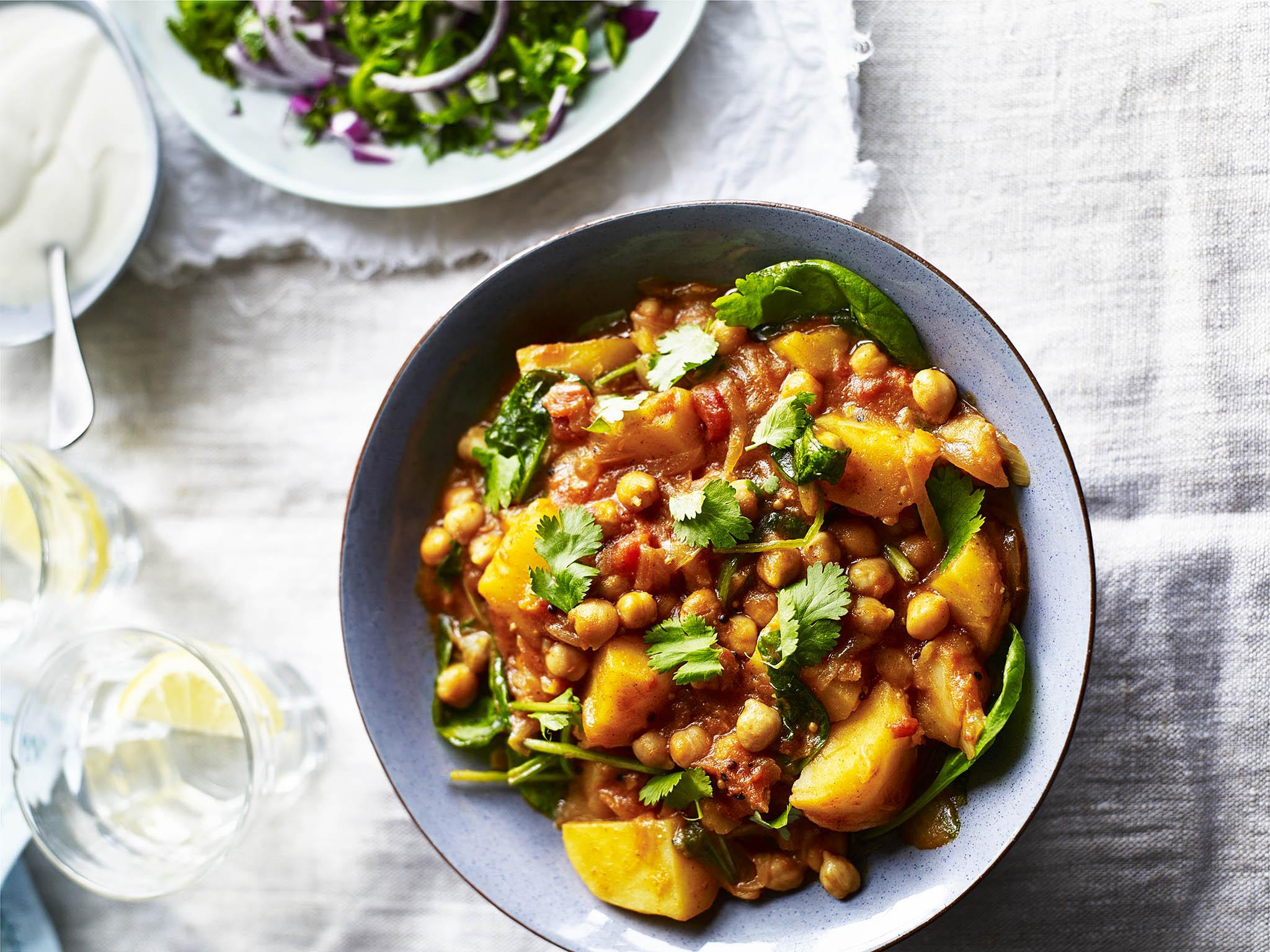 How to make Indian-inspired potato and chickpea masala curry 1