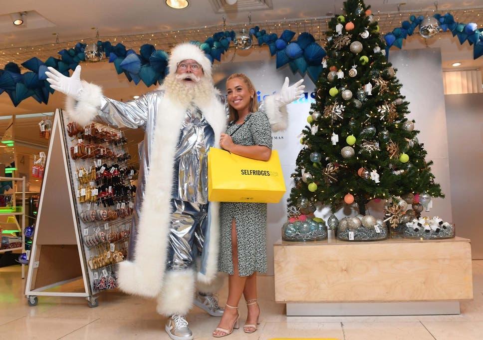 Christmas Around The World Catalog 2019.Selfridges Opens Christmas Shop Record 149 Days Before Big