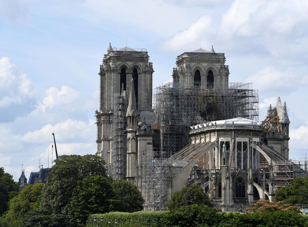 Christmas Mass At Notre Dame Cancelled For First Time In 200 Years The Independent The Independent