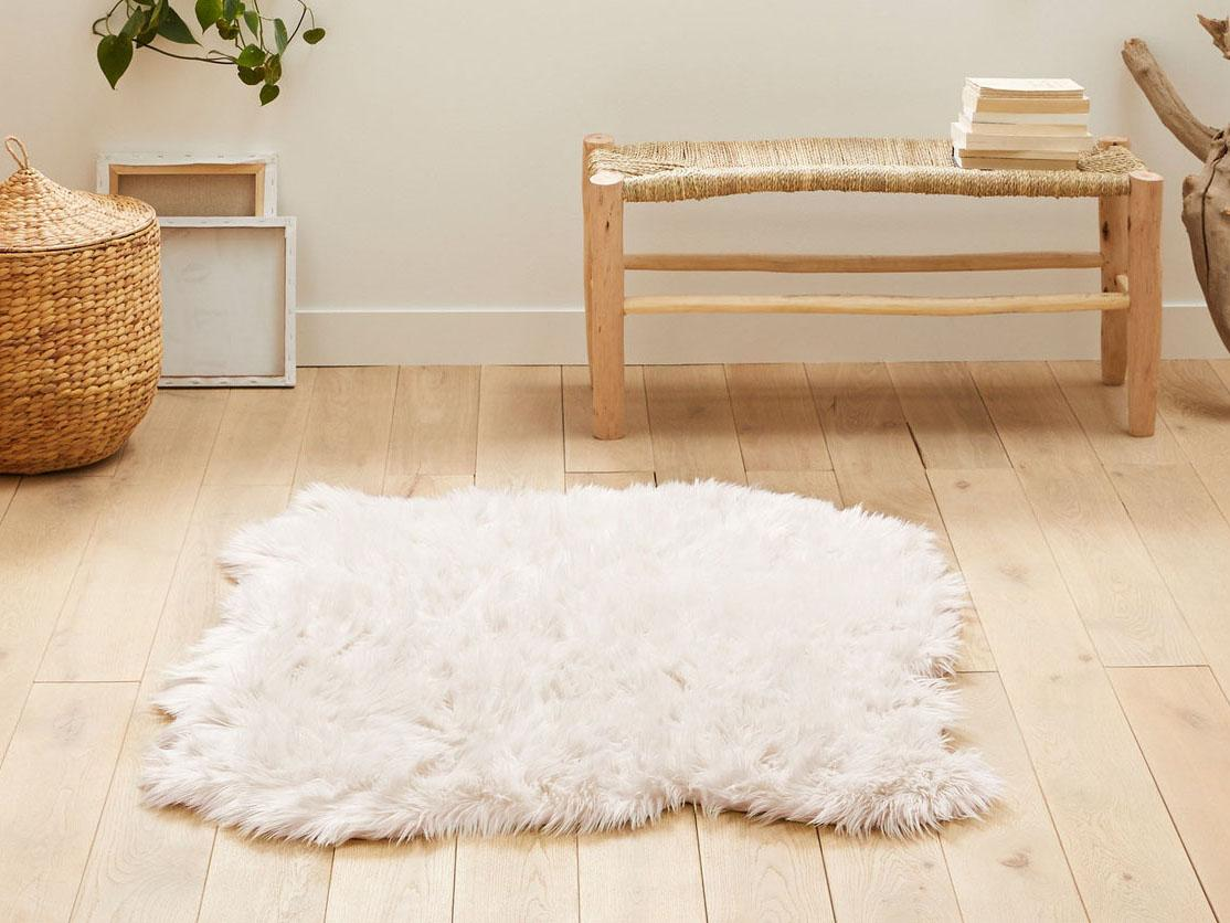 Best Faux Fur Rug That Is Soft Authentic And Stylish