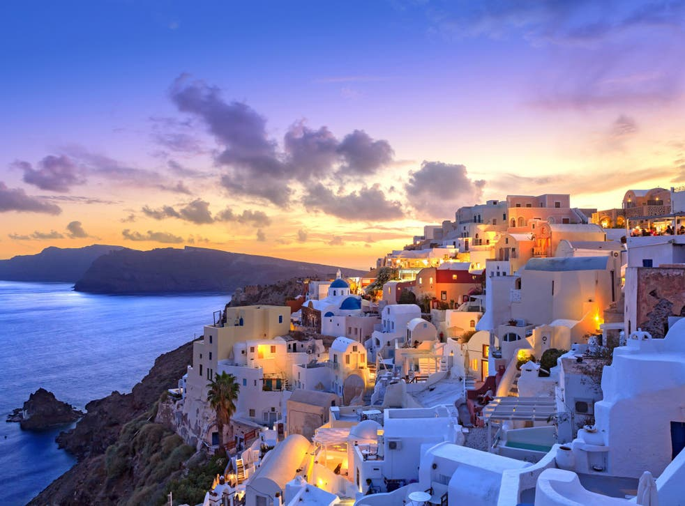 Santorini: beautiful but short on hot water