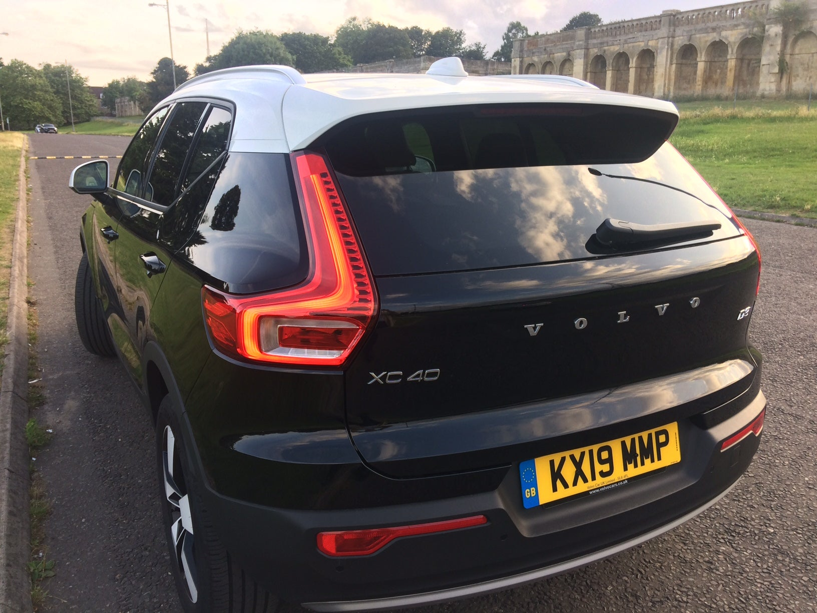 Car Review Volvo Xc40 D3 It S All There In Black And White The