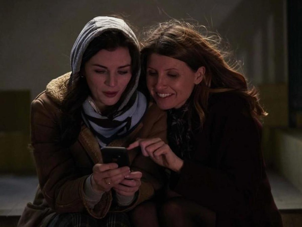 This Way Up Review Aisling Bea And Sharon Horgan Team Up In This Brilliant Sharp Tongued Show The Independent The Independent