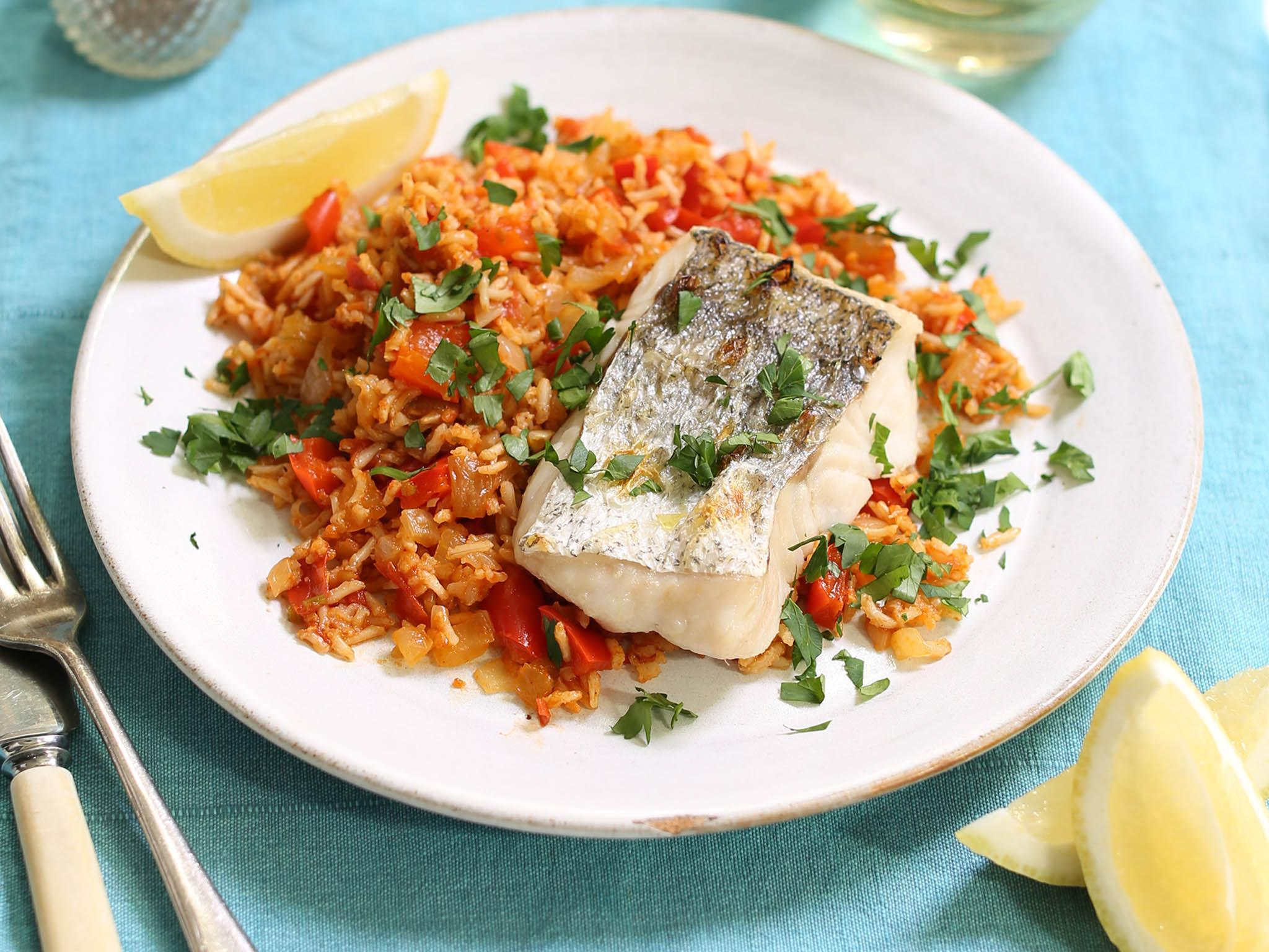 How to make grilled hake with tomato rice 1