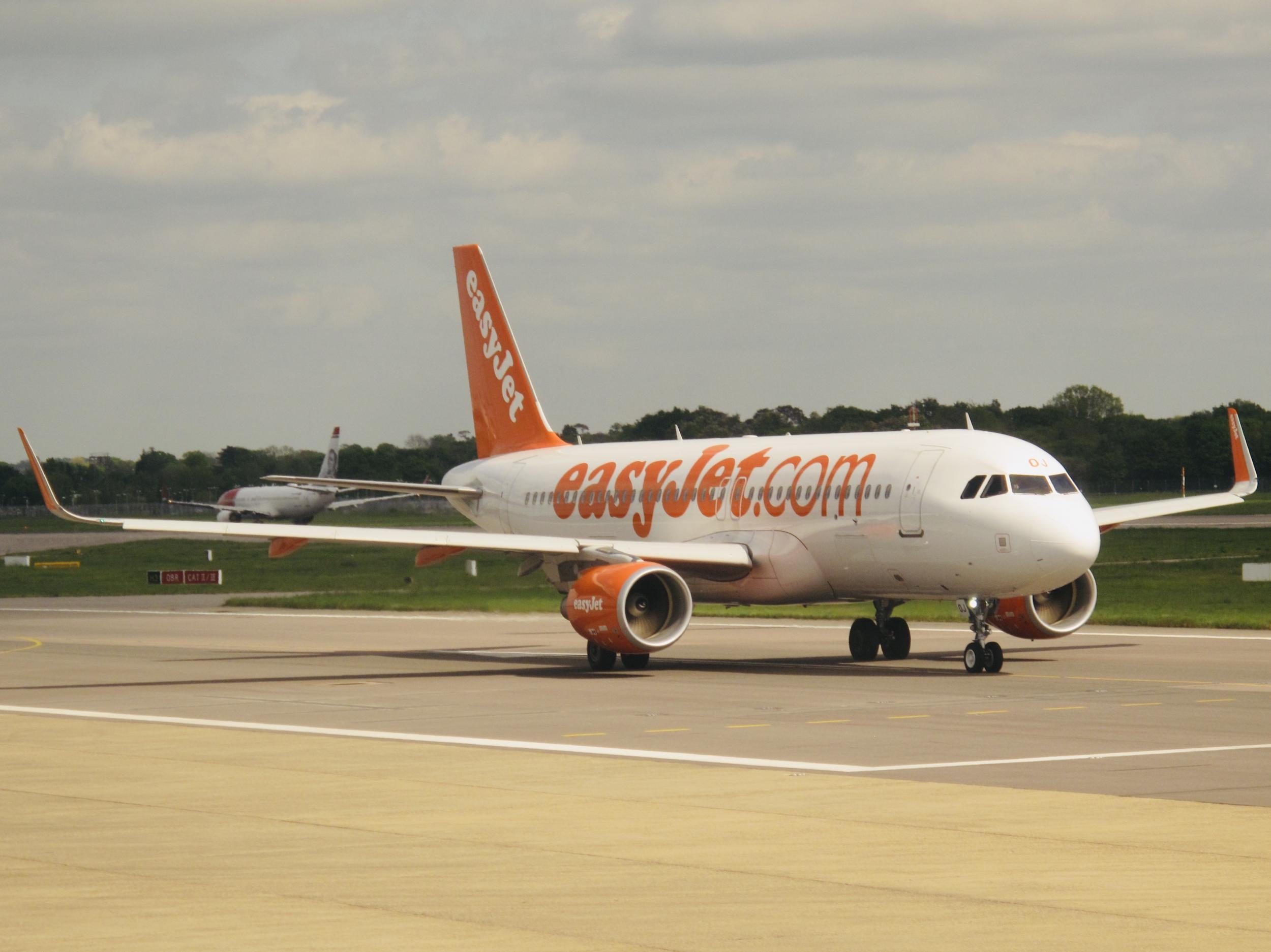 Passenger steps in to fly plane after pilot fails to turn up