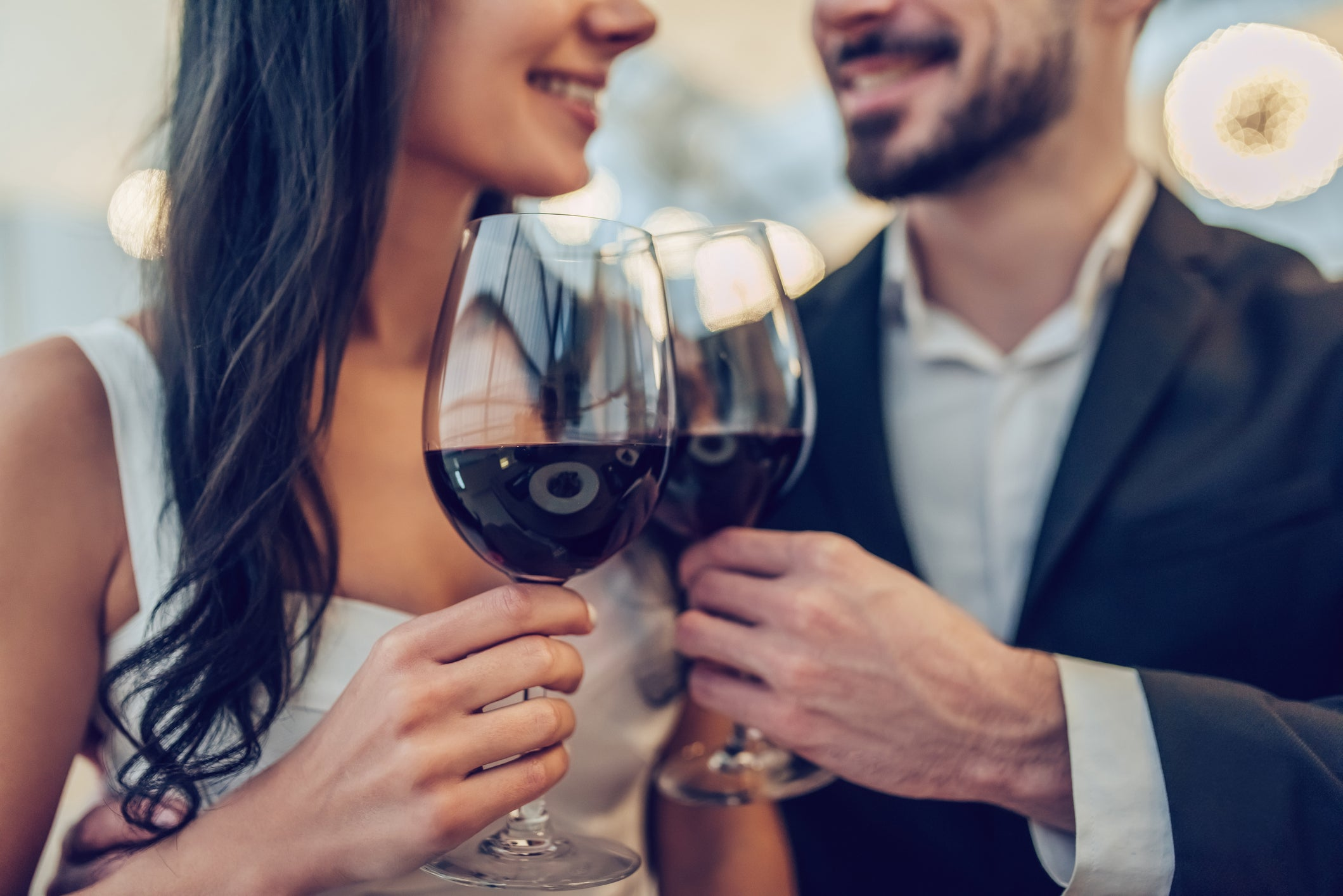 Viral Tinder date story about £15,000 Shard Tinder date wine bill not true