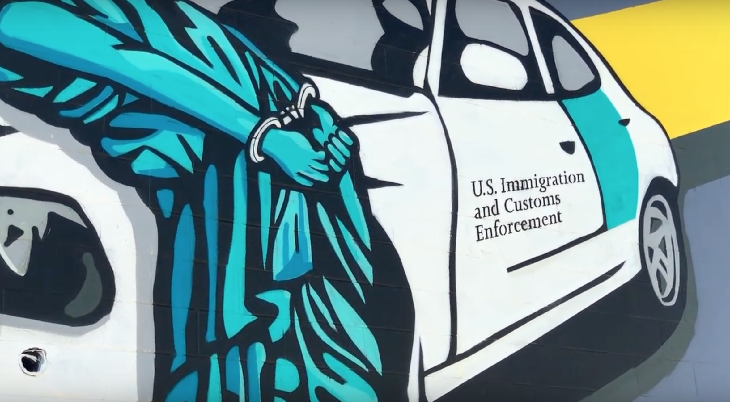 Statue of Liberty seen handcuffed by ICE in Las Vegas mural by British artist