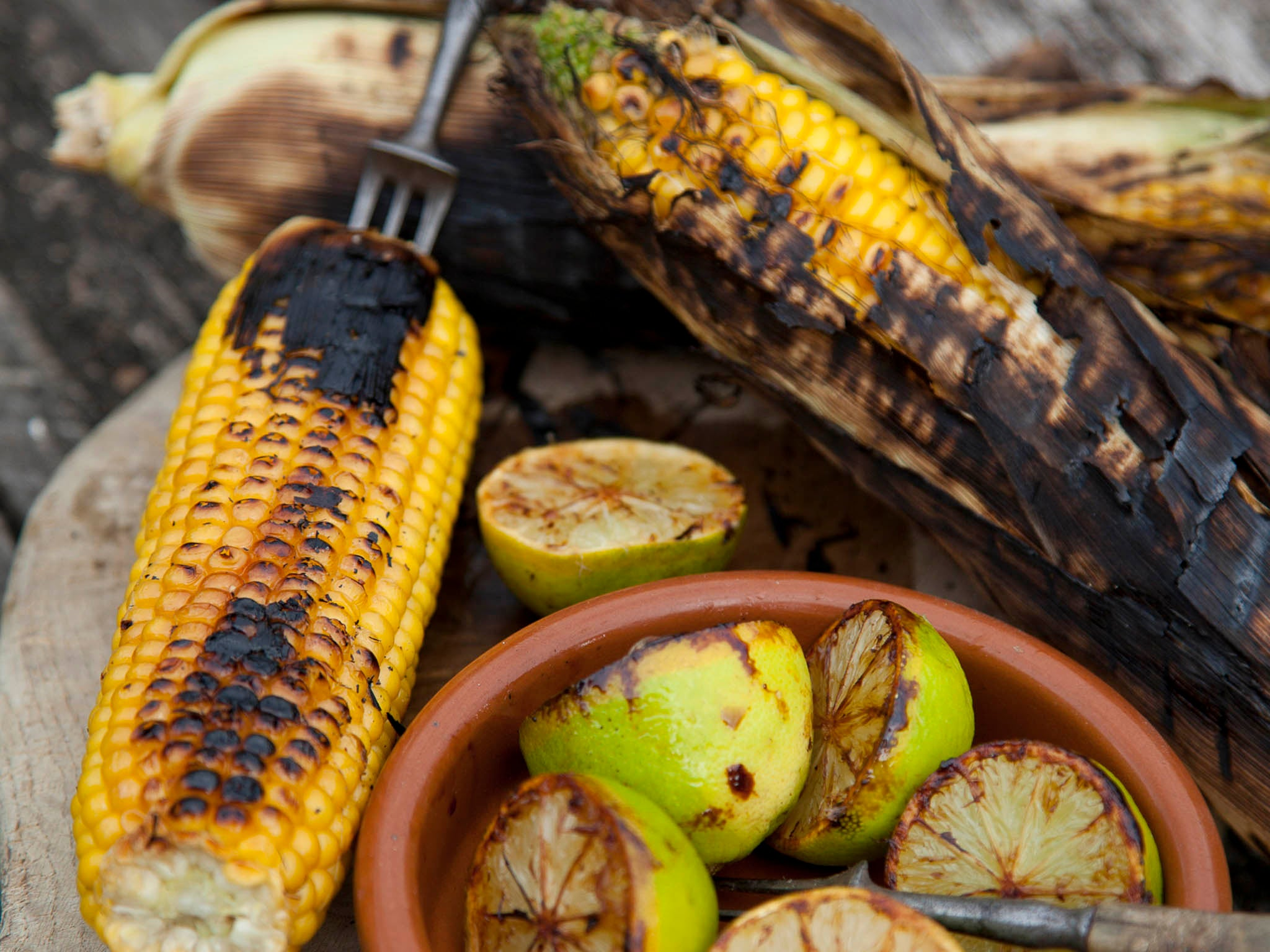 How to make barbecued sweetcorn with burnt lime and sea salt 1