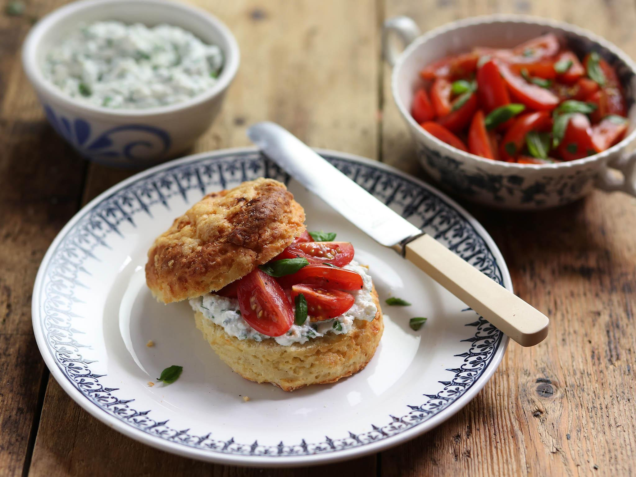 How to make cheese scones with balsamic and basil tomatoes